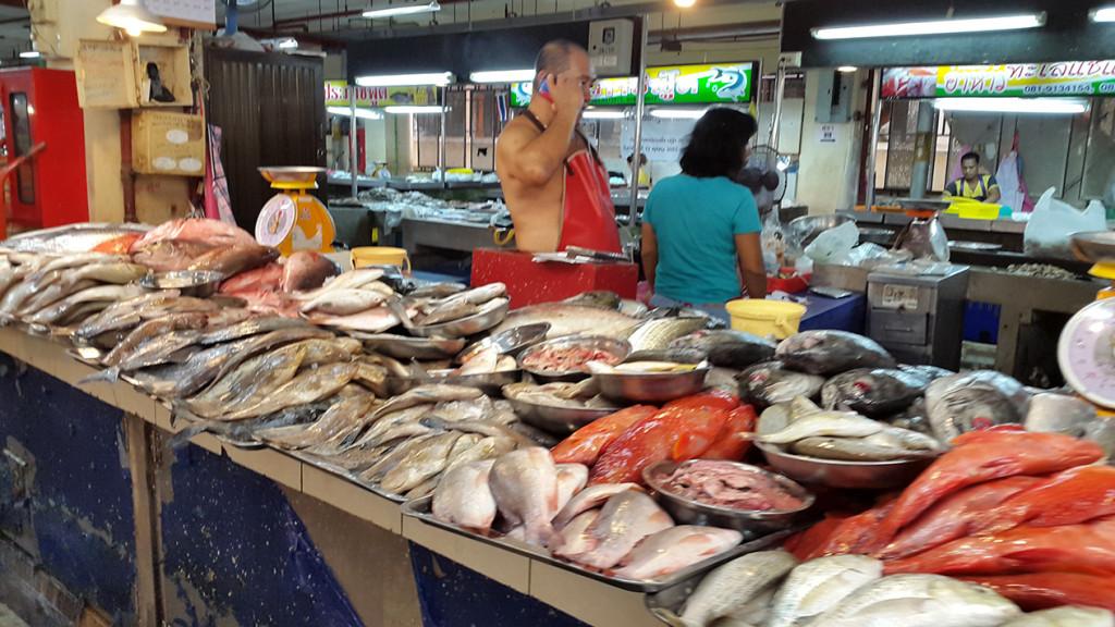 Прилавки с рыбок