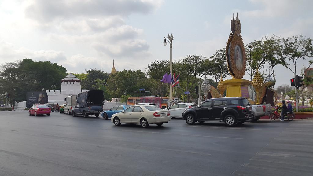 Новый день в Бангкоке. Идем к храмам.