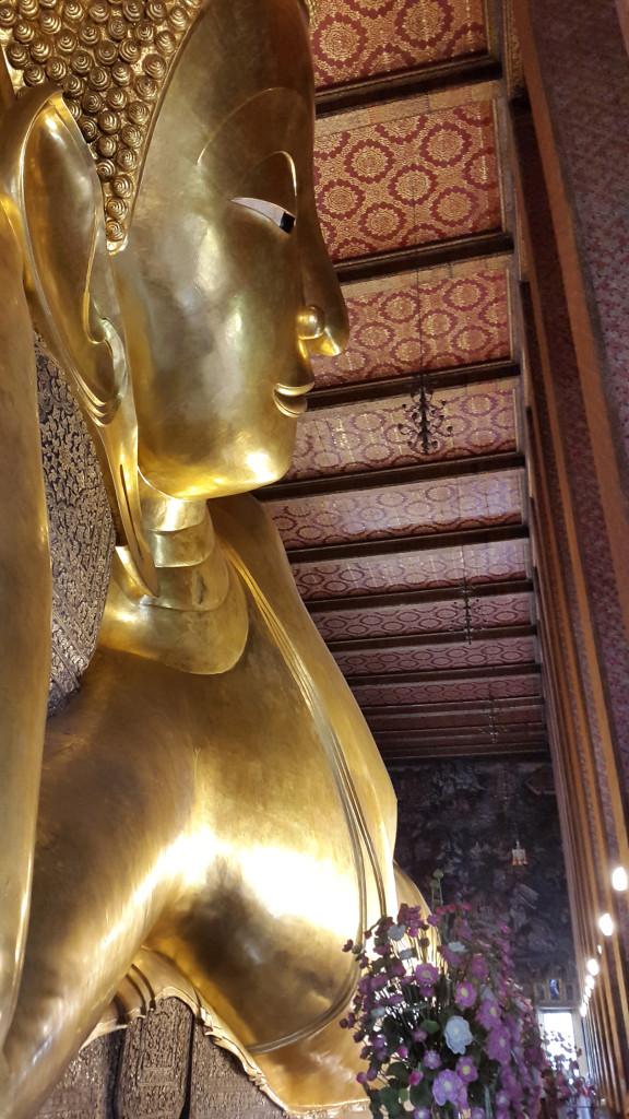 Лежащий Будда (Лежит Будда по средам)