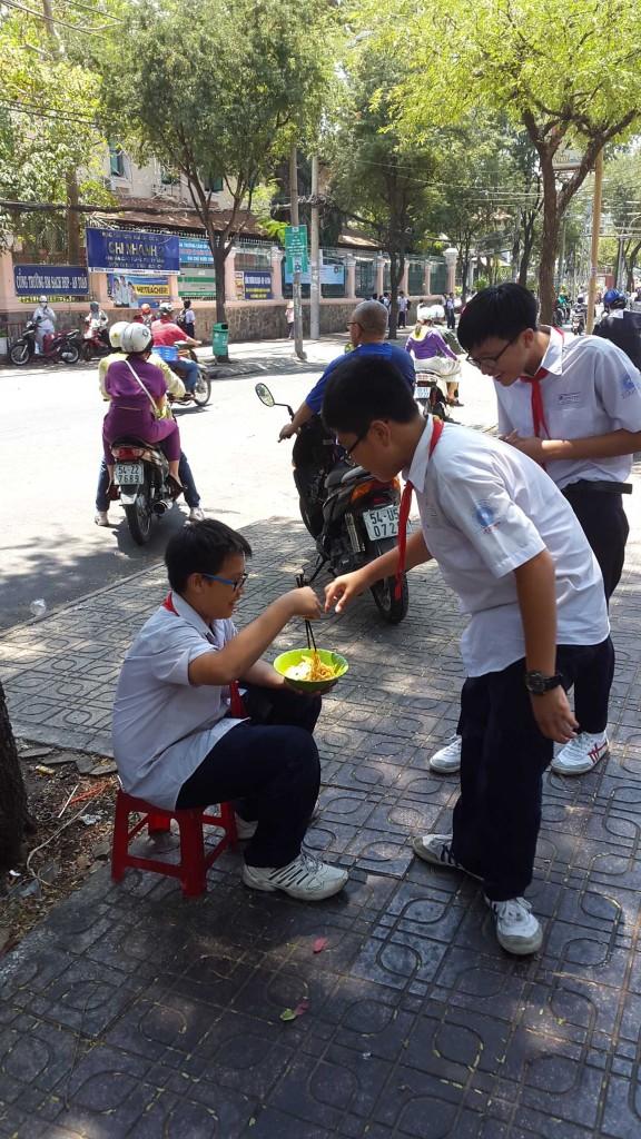 Вот такой и весь Вьетнам. Светлый, праздничный и вкусный.