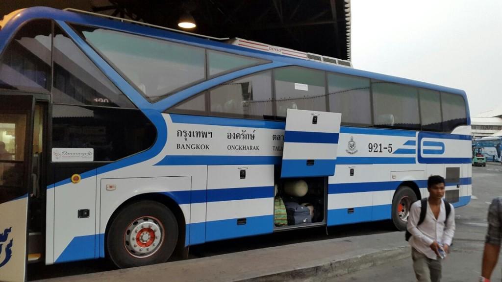 А вот наш автобус, 1 го класса. Внутри комфортный, все очень новое.