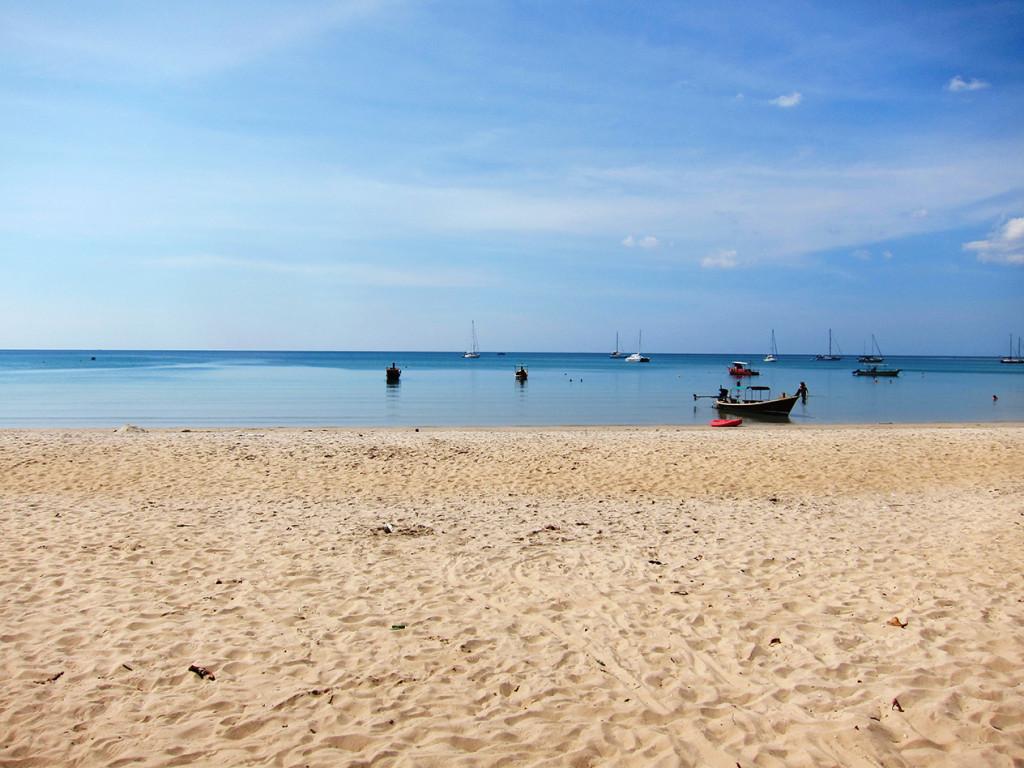 Пляж Nai Yang.