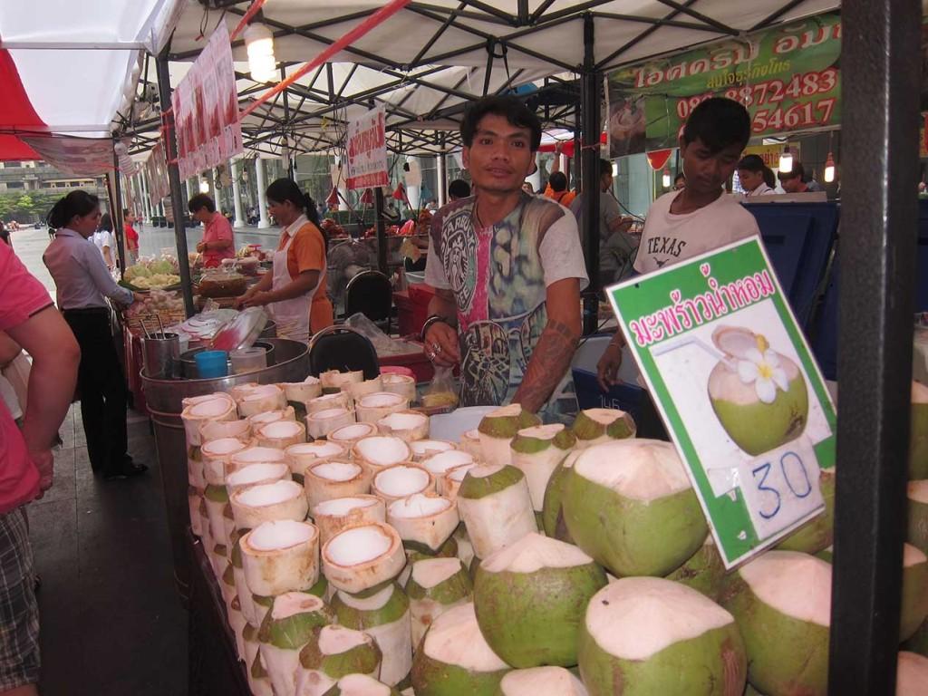 Куда же без кокосов. Лично мне они очень нравятся.