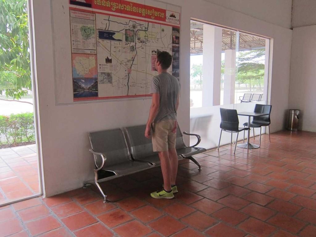 Смотрю карту Камбоджи на туристической станции. Вдруг поможет)).