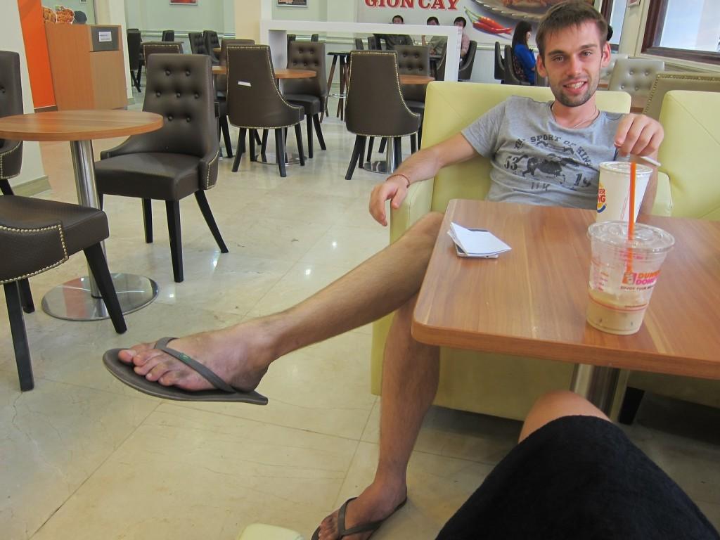 По Хошимину гуляли не жалея ног.