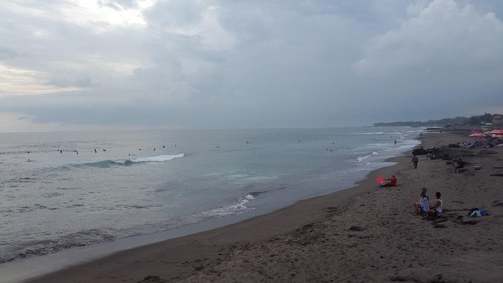 А вот пляж в Changu, который действительно нас немного испугал, по крайней мере в плане серфинга.