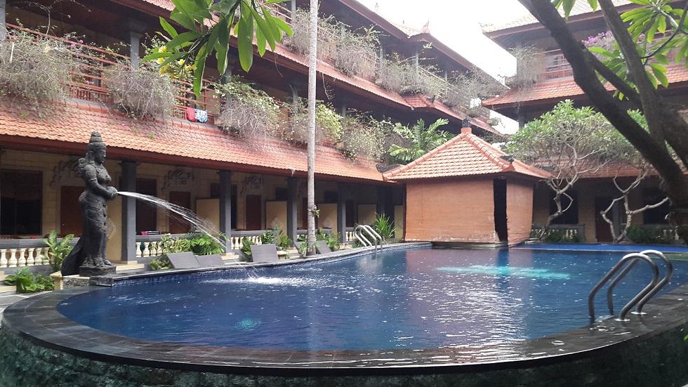 В самый первый раз, когда мы увидели наш будущий отель, то были очень удивлены его низкой ценой.