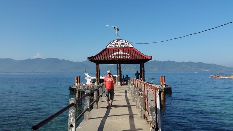 В порту Гили Эир. Ждем отправления нашей лодки до соседнего острова.