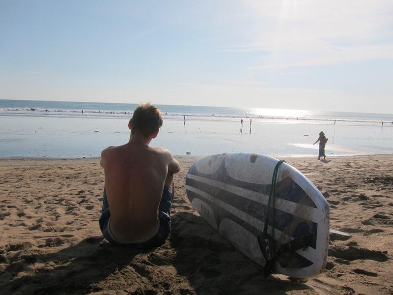 Самая длинная доска из тех, что я брал - лонг борд. С ним катаются на пене от волн, а не на волнах.