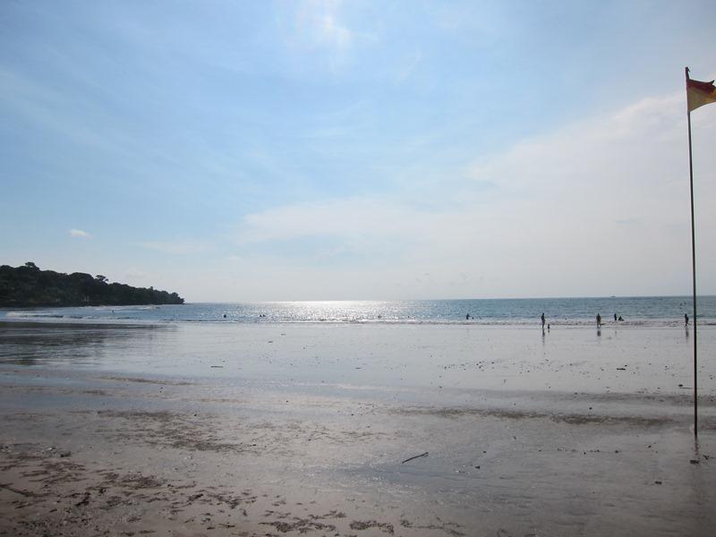 Но для серфинга подойдет меньше, так как нет такой инфраструктуры и волны как будто не доходят.