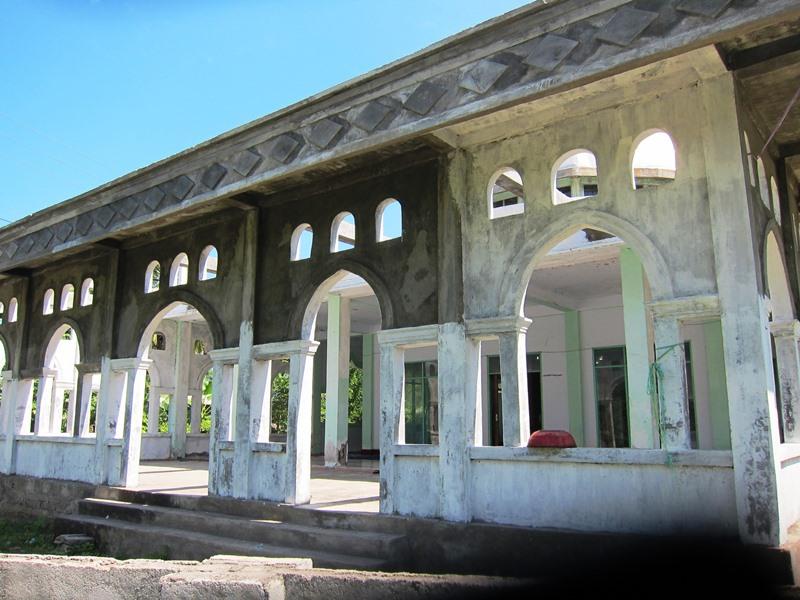 А вот действующая мусульманская мечеть.