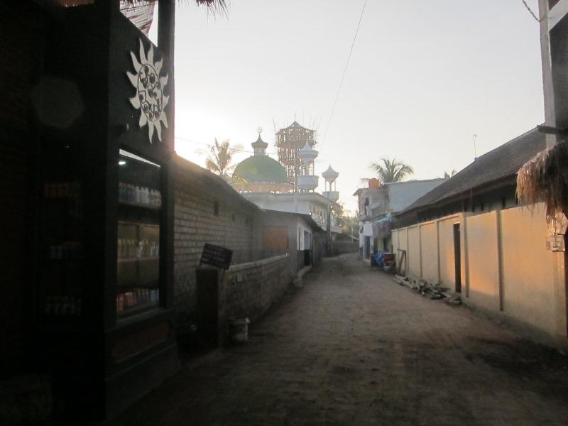 Следующим утром мы встали по-раньше, чтобы еще немного прогуляться по острову.