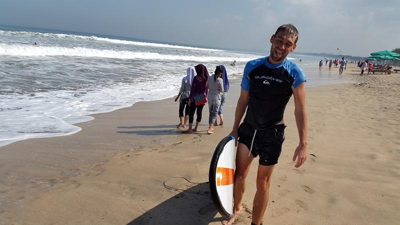Но всегда после серфинга возвращался без сил.