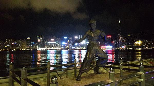 И статуя Брюса Ли на аллее звезд перед сном! Все!