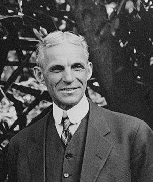 Henry_Ford_at_Edison's_home_in_Ft._Myers_Florida_1914_detail_LC-LC-USZ62-131044